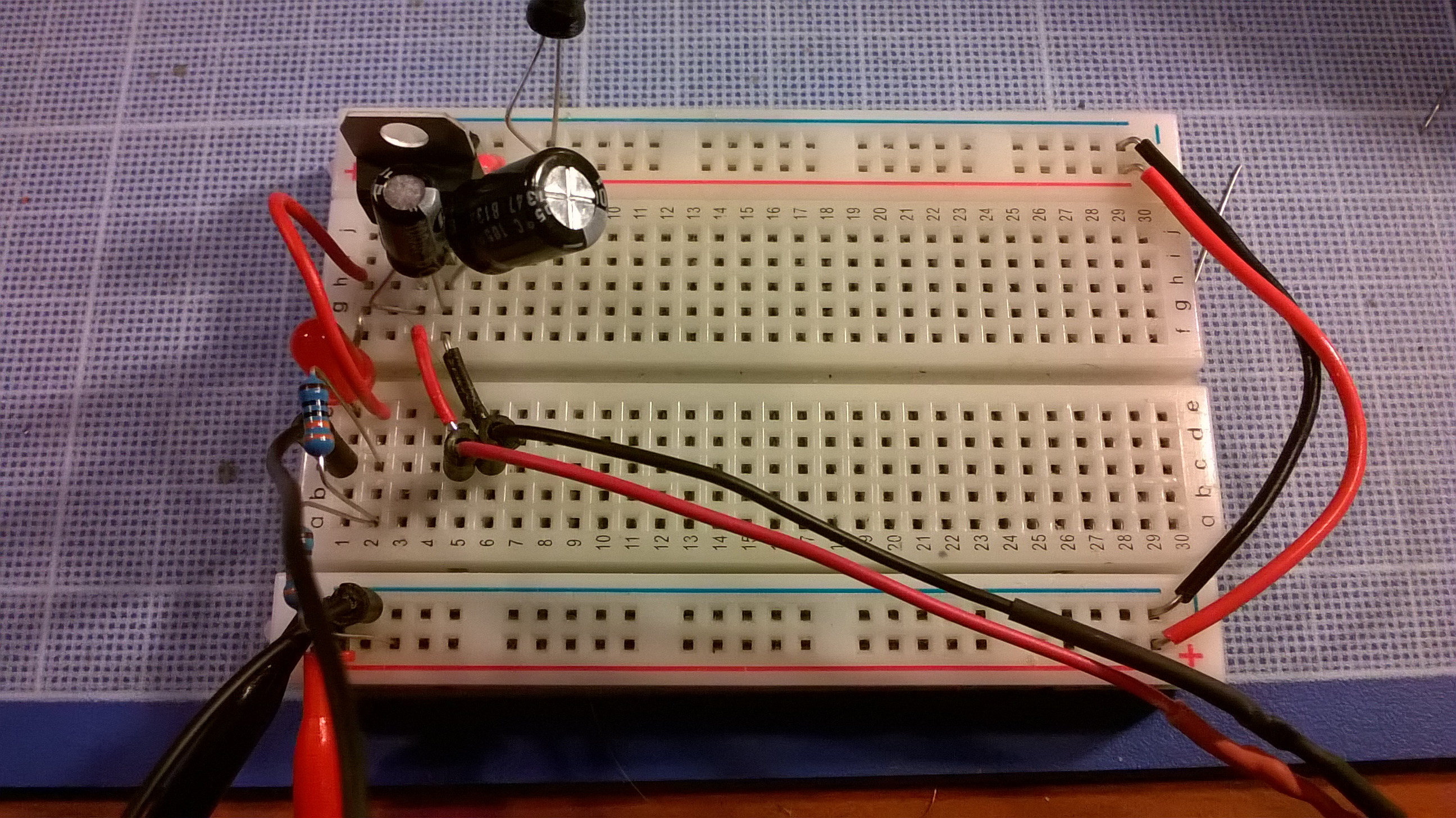 Arduino On A Breadboard Problem With 7805 Voltage Regulator Blew 12 Fixing The Power Supply Site For This Is Last Evolution Of My Attempts 2 Long Red And Black Wires Are Coming From Which Computer Psu Unit Giving Me Volts