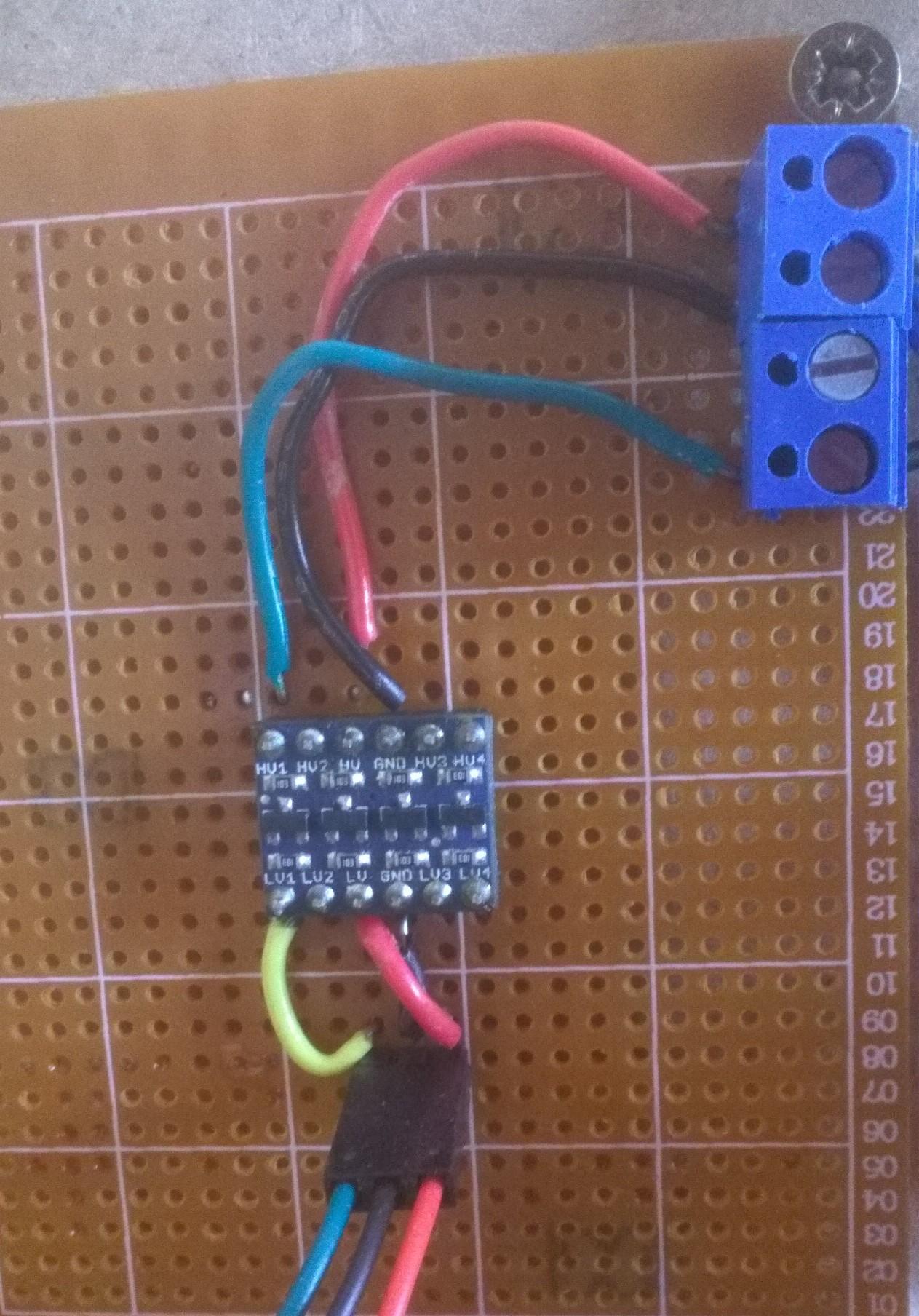 Montage sur plaque du convertisseur logique bi-directionnel